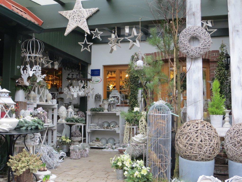 Weihnachtsaustellung der Rosengalerie mit diversen Dekoartikeln für die Weihnachtszeit